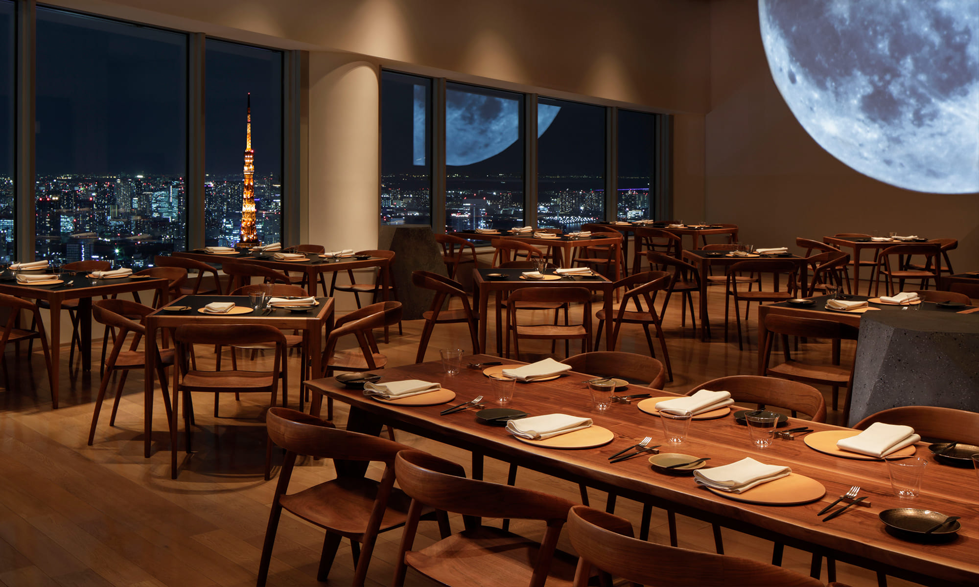 The Moon in Roppongi Hills