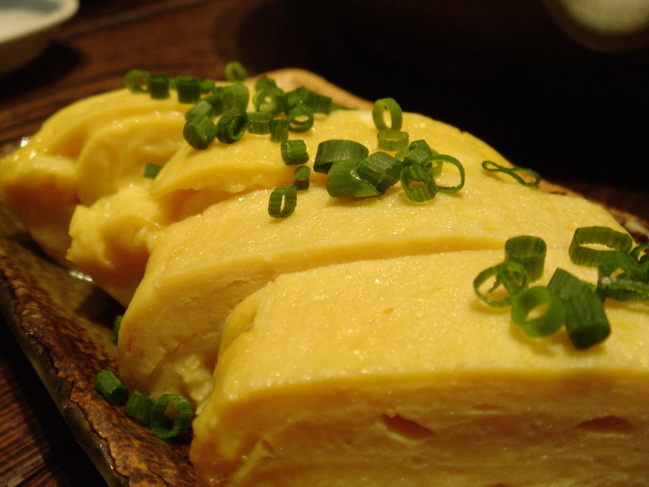 Rolled thin omelet including dashi