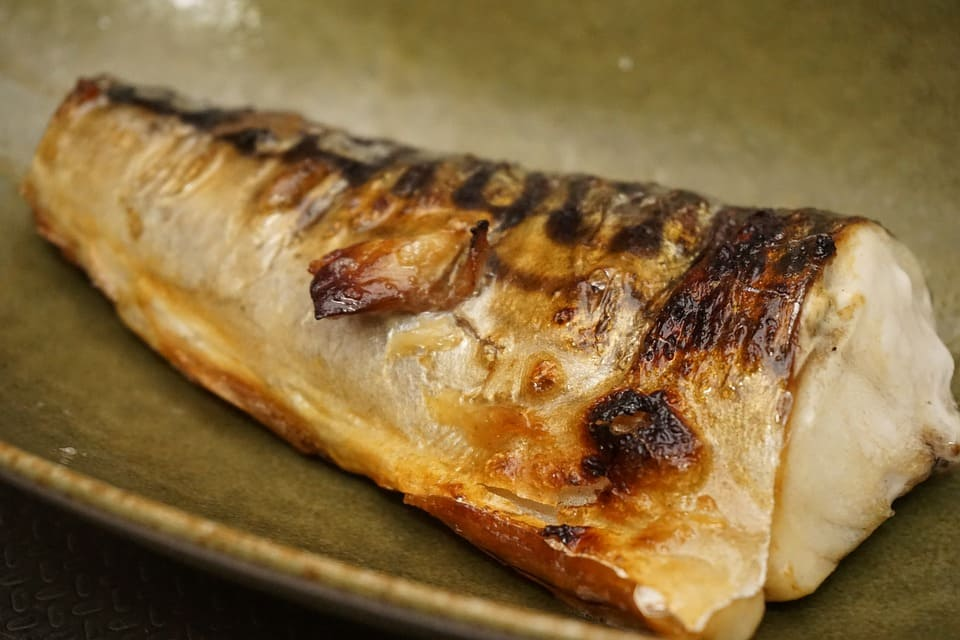 (Grilled fish/boiled fish. The Japanese have a special way to grill and boil their fresh fish making it unique.